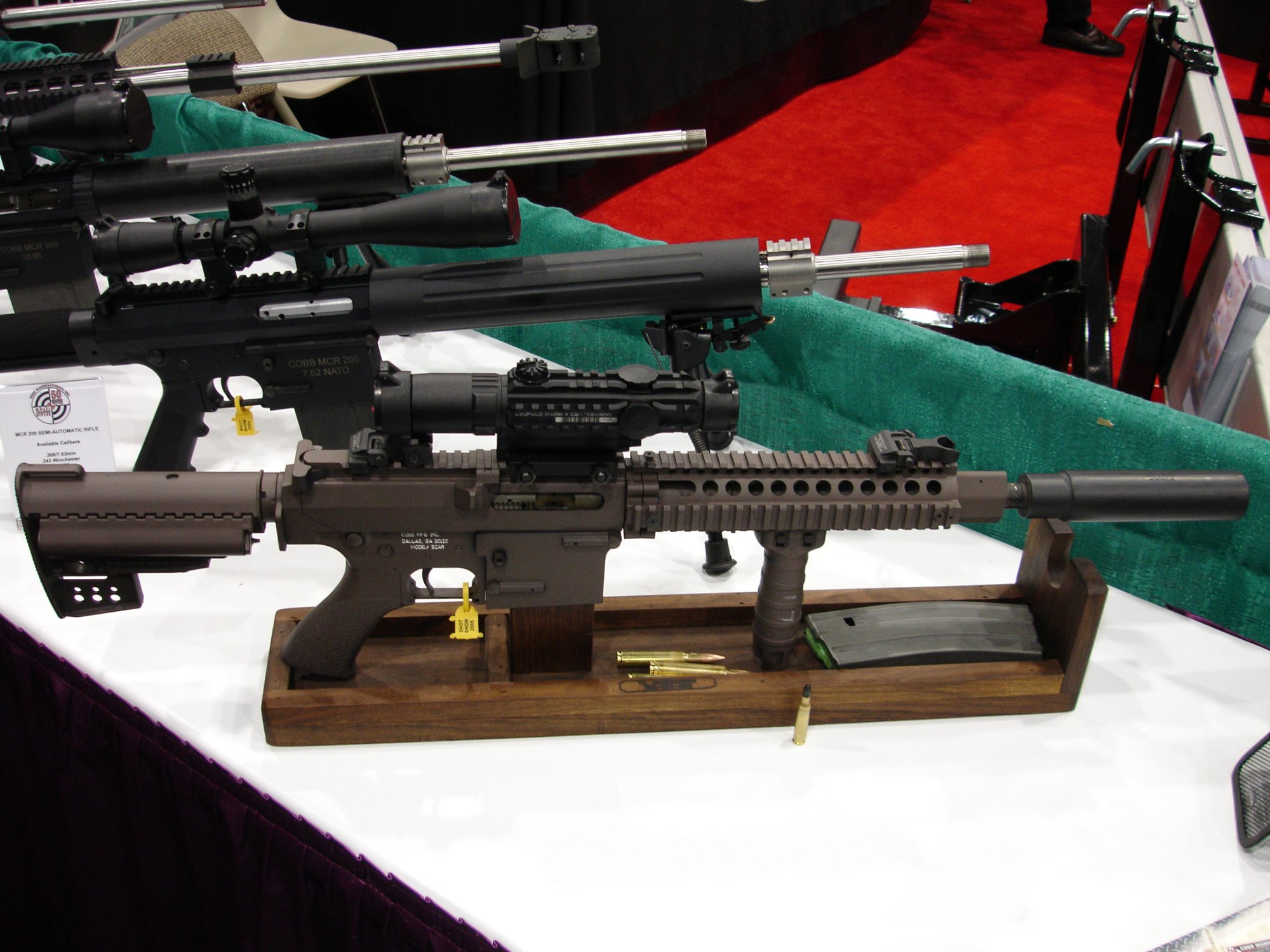 CobbMCR SCARprototype.308 4 <!  :en  >Cobb SCAR Candidate/MCR Prototype Weapons at SHOT Show 2005<!  :  >