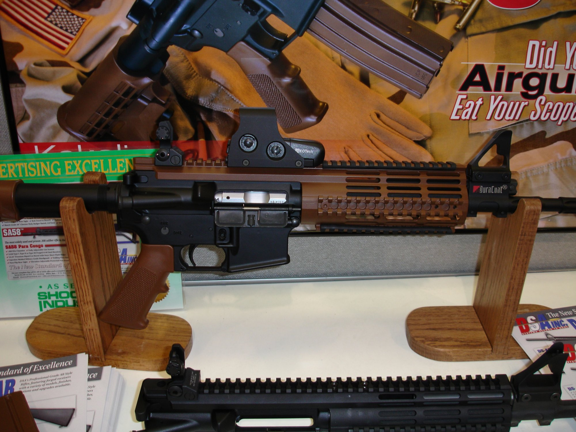 DSA%20Inc.%20Z4 GTC 1 <!  :en  >DSA Z4 GTC (Gas Trap Carbine) at SHOT Show 2005<!  :  >