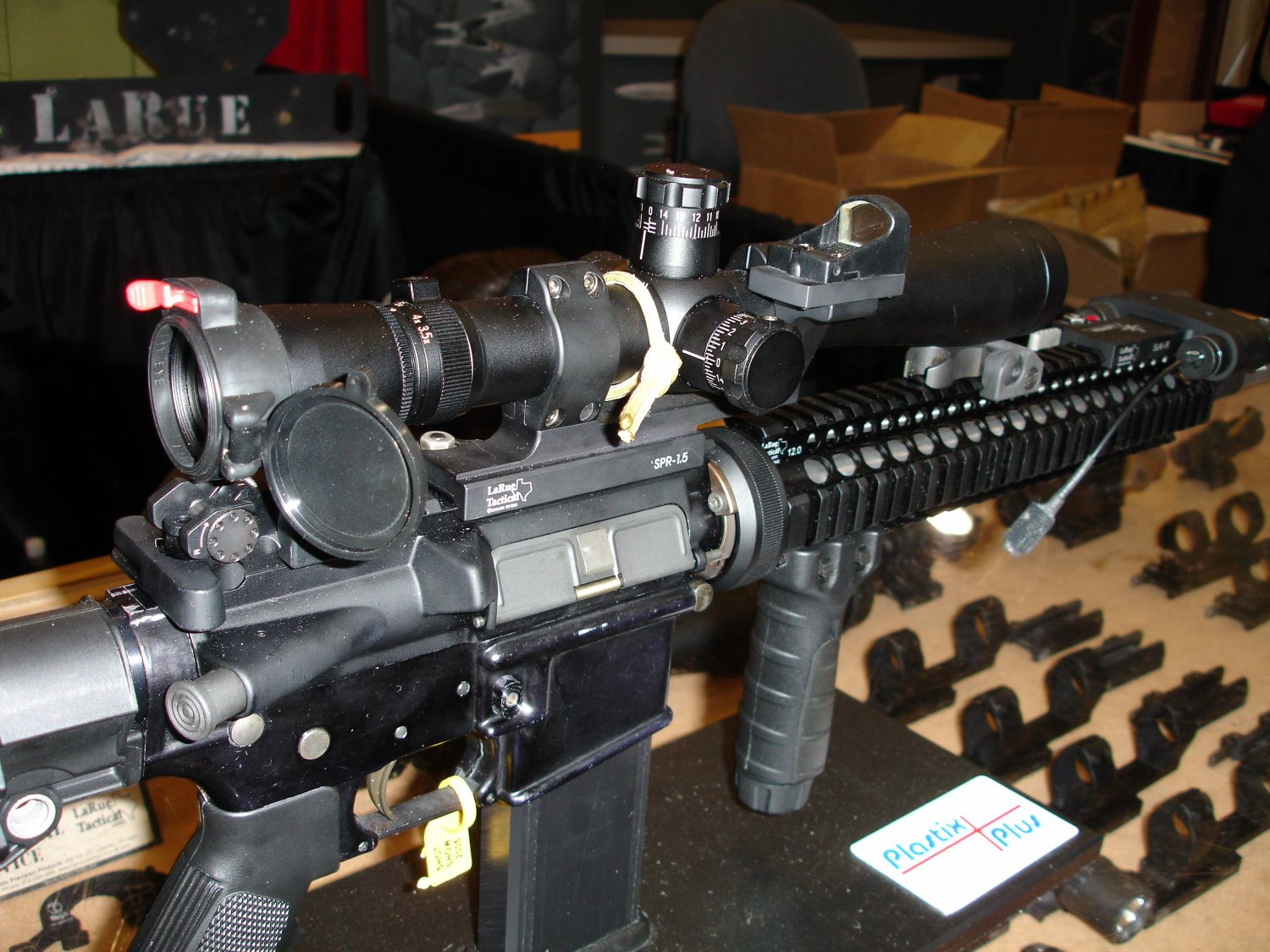 LarueTacticalScope OffsetCQBSight%28JPoint%29Mount 1 <!  :en  >LAMSA Weapons Systems Soldiers Laser Aimer/Illuminator for SPECOPS<!  :  >