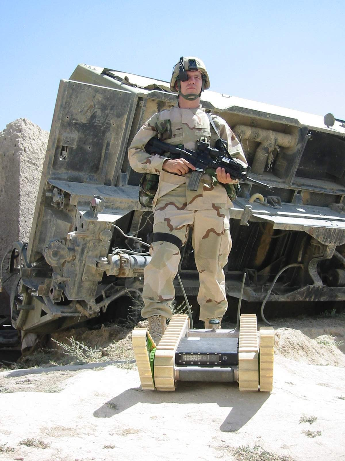 PackBot Afghanistan Soldier <!  :en  >More iRobot Packbot Robotic Infantry Soldiers Headed to Afghanistan and Iraq<!  :  >