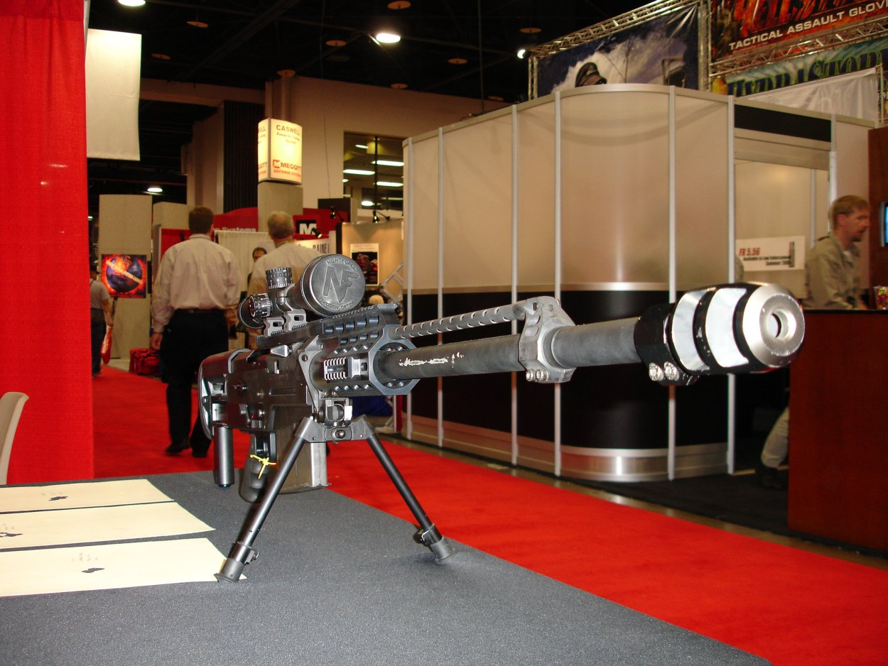 SHOTSHOW2005 AccuracyInternationalAS50Rifle 4 <!  :en  >SHOT Show Pics: AI AS50 Semi Auto .50 BMG Anti Materiel Rifle for SPECOPS<!  :  >