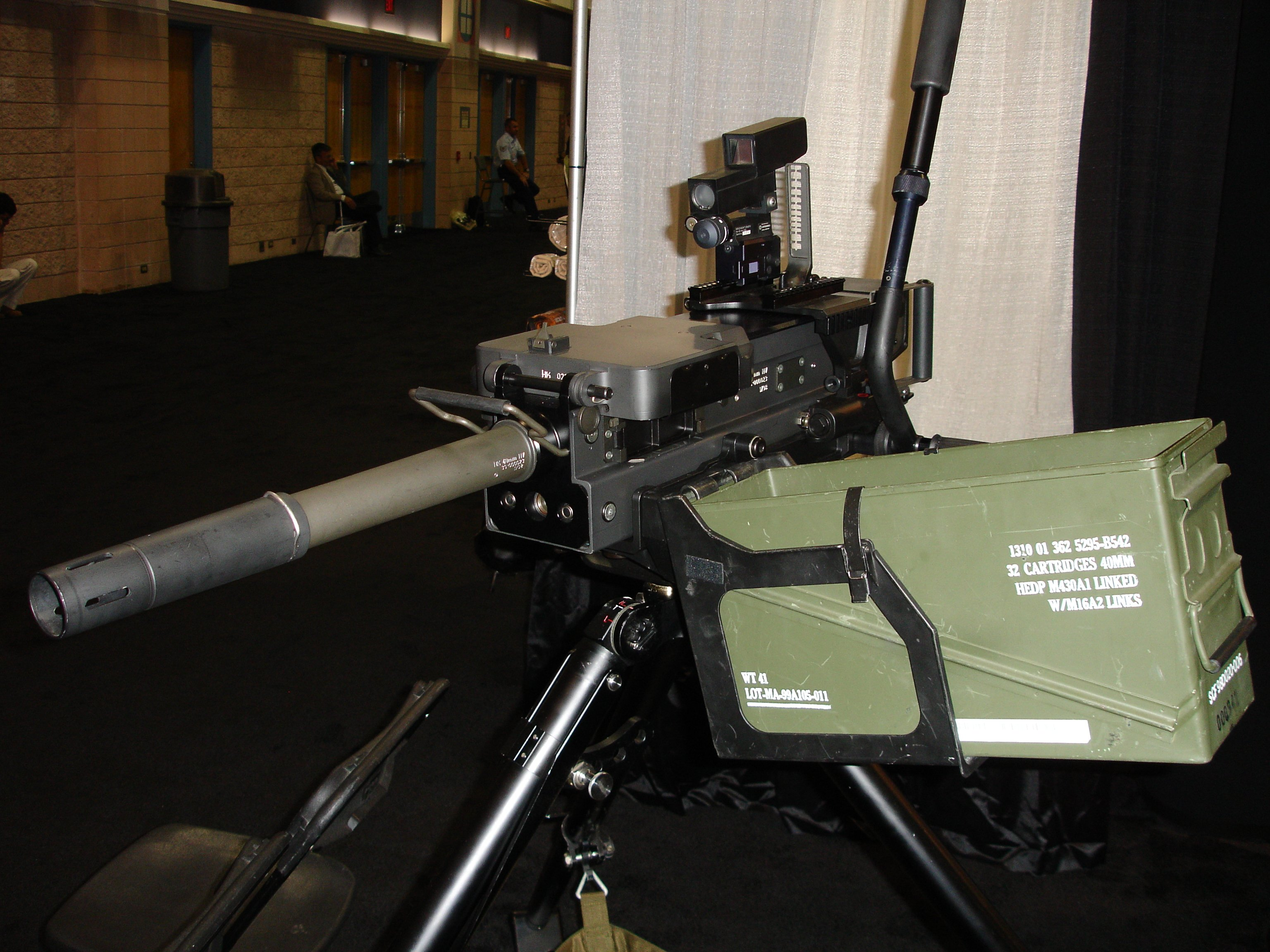 HK%20Grenade%20Machine%20Gun%20%28GMG%29 1 <!  :en  >HK GMG (Grenade Machine Gun) Pics from SOF Week 2005/APBI<!  :  >