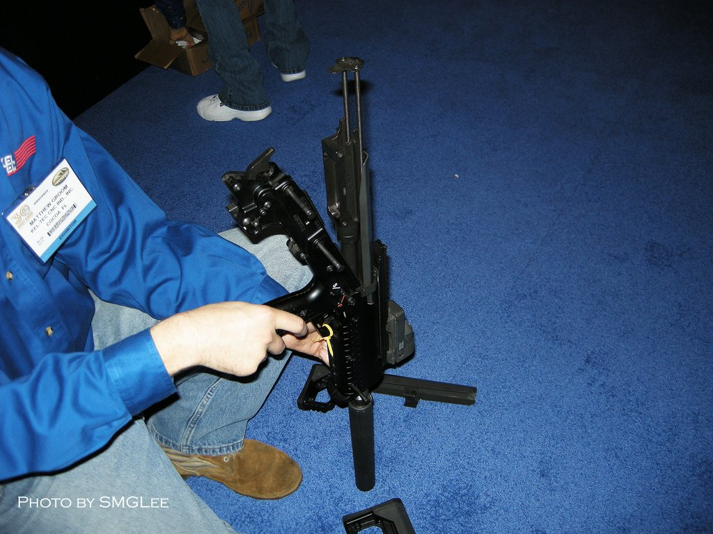 Kel TecRFBRifle SMGLee 5 Kel Tec RFB Rifle/Carbine (7.62mm NATO/.308 Win.) at SHOT Show 2008