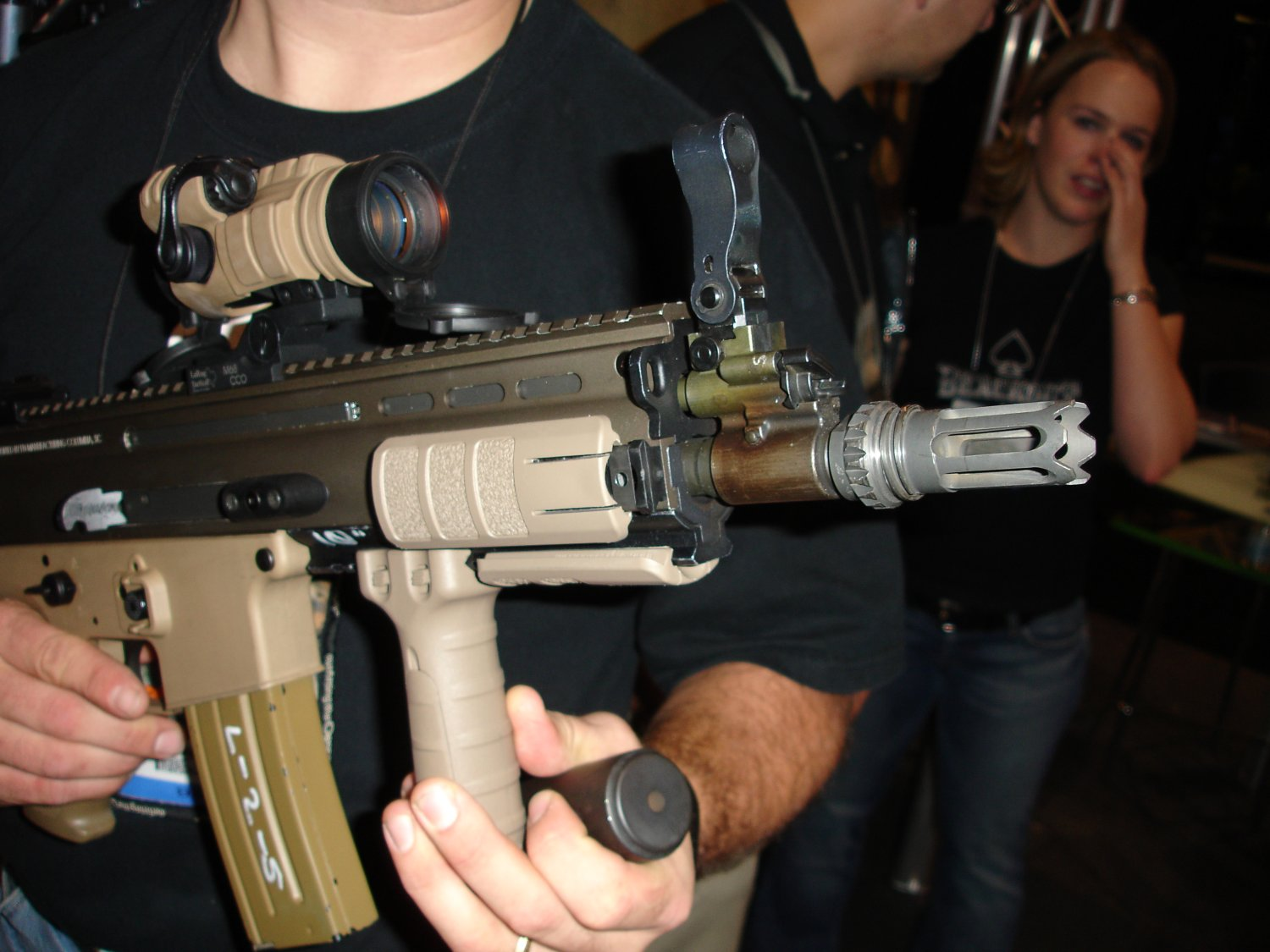 SHOT%20Show%202007%20 %20AAC 4 <!  :en  >Latest Advanced Armament Corp. (AAC) Silencers for Tactical Firearms (Photos!)<!  :  >