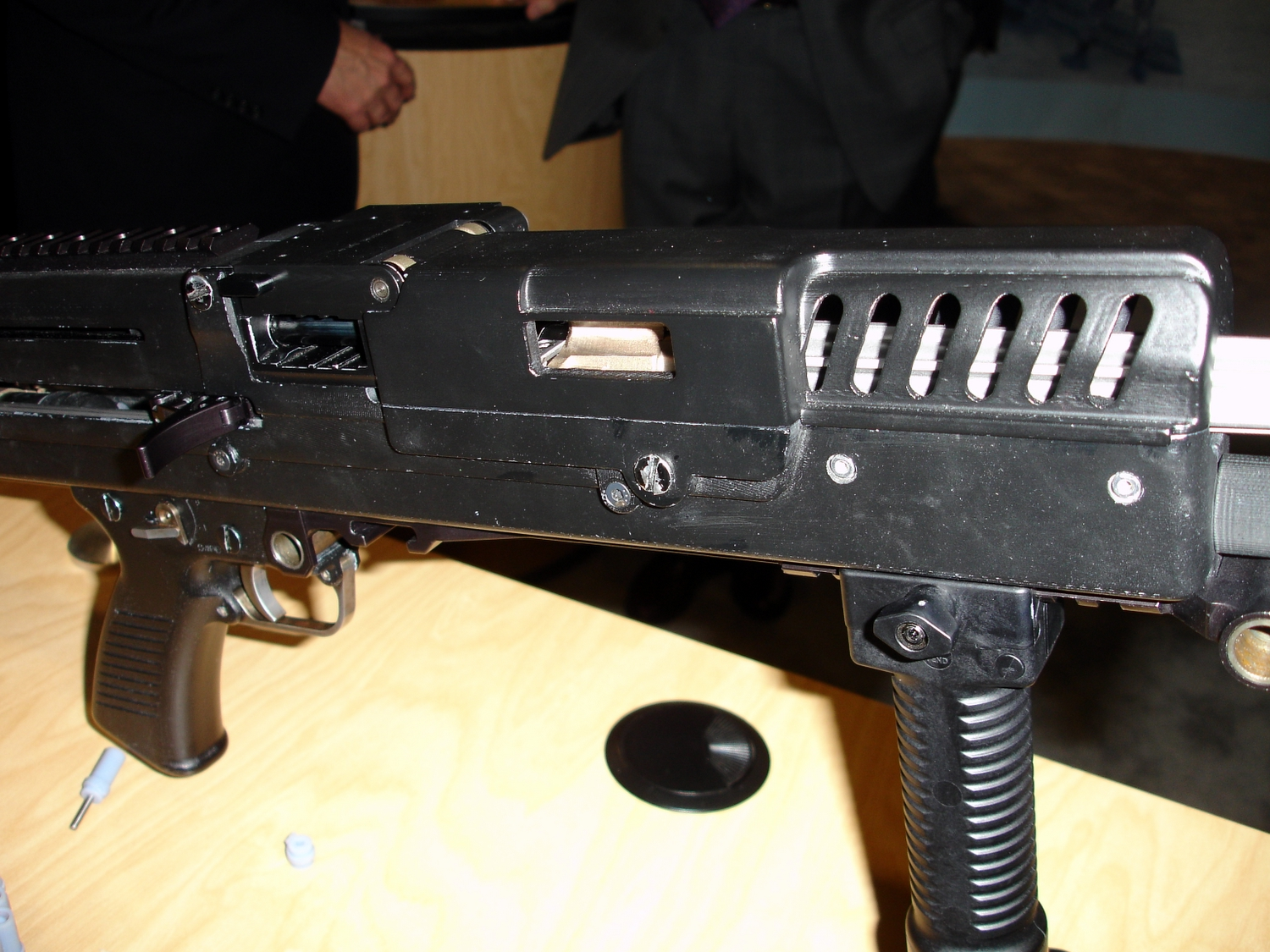 <!  :en  >AAI Lightweight Small Arms Technologies (LSAT) Prototype on Display at AUSA<!  :  >