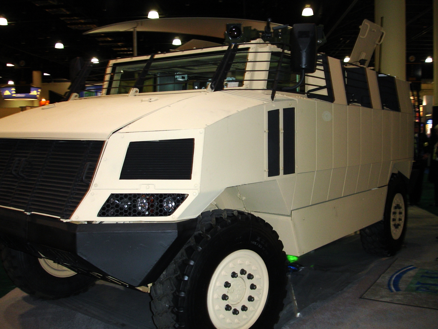 <!  :en  >Golan Mine Resistant Ambush Protected (MRAP) Vehicle on Display at AUSA<!  :  >
