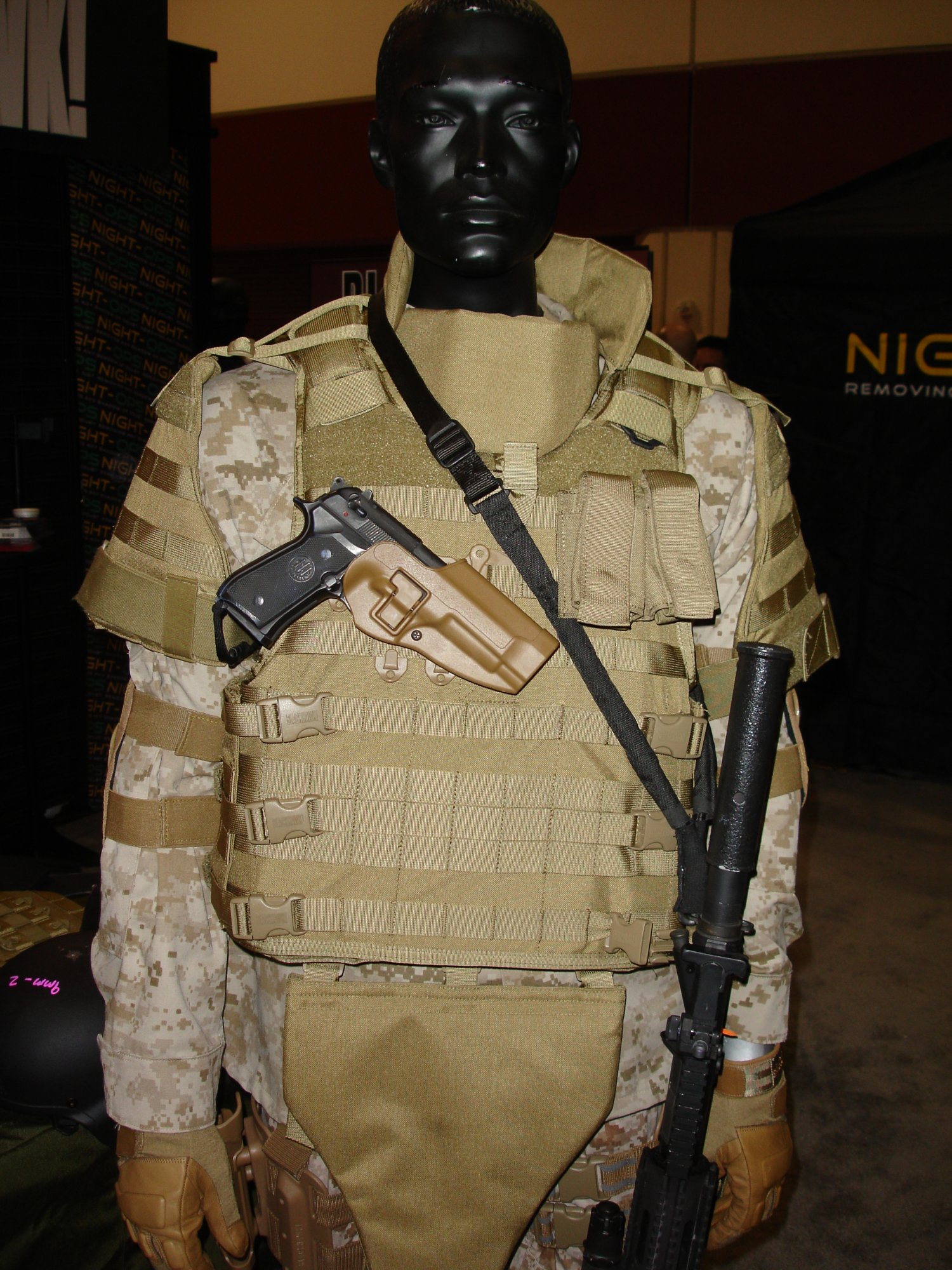 SHOT%20Show%202007%20 %20Blackhawk%20S.T.R.I.K.E.%20Cutaway%20Vest%20 %20OTV IBAS%20Body%20Armor 1 <!  :en  >DefRev Quick Hits 2: More Latest and Greatest Tactical Tech from the Show<!  :  >