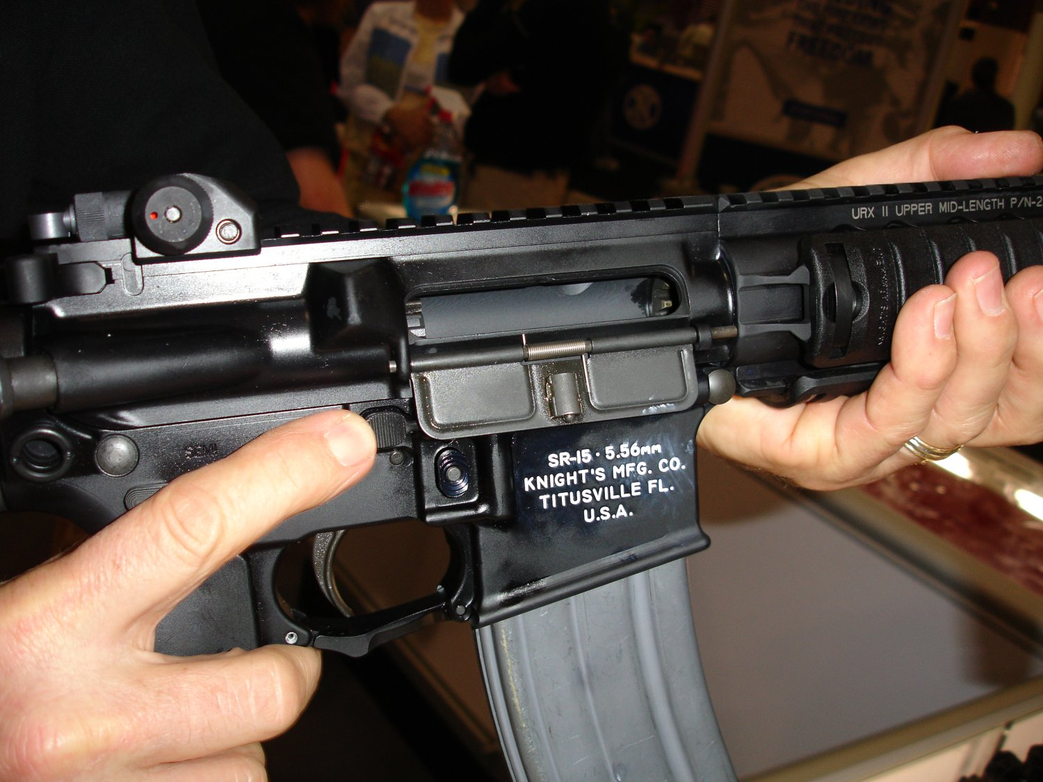 SHOT%20Show%202007%20 %20KAC%20SR 15%20Carbine 2 <!  :en  >SHOT Show 2007: DefRev Quick Hits 1<!  :  >