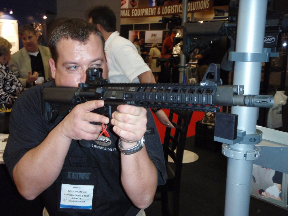 LMT MRP Gas Piston SHOT Show 2009 2 <!  :en  >LMT MRP QCB Gas Piston/Op Rod Carbines and SBRs in 5.56mm and 6.8mm<!  :  >