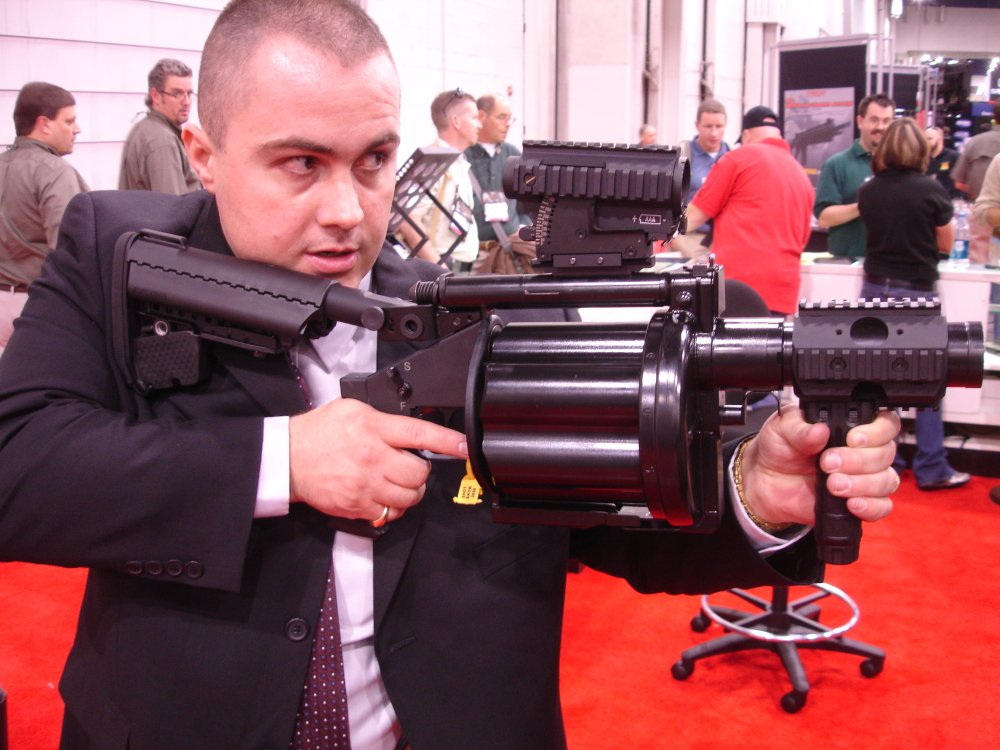 Milkor MGL 13 SHOTShow2008 2 02 08 <!  :en  >Milkor USA Shorty 40mm Multi Grenade Launchers at SHOT Show 2008: Milkor USA Mk14 Mod0 MSGL Prototype Weapon<!  :  >