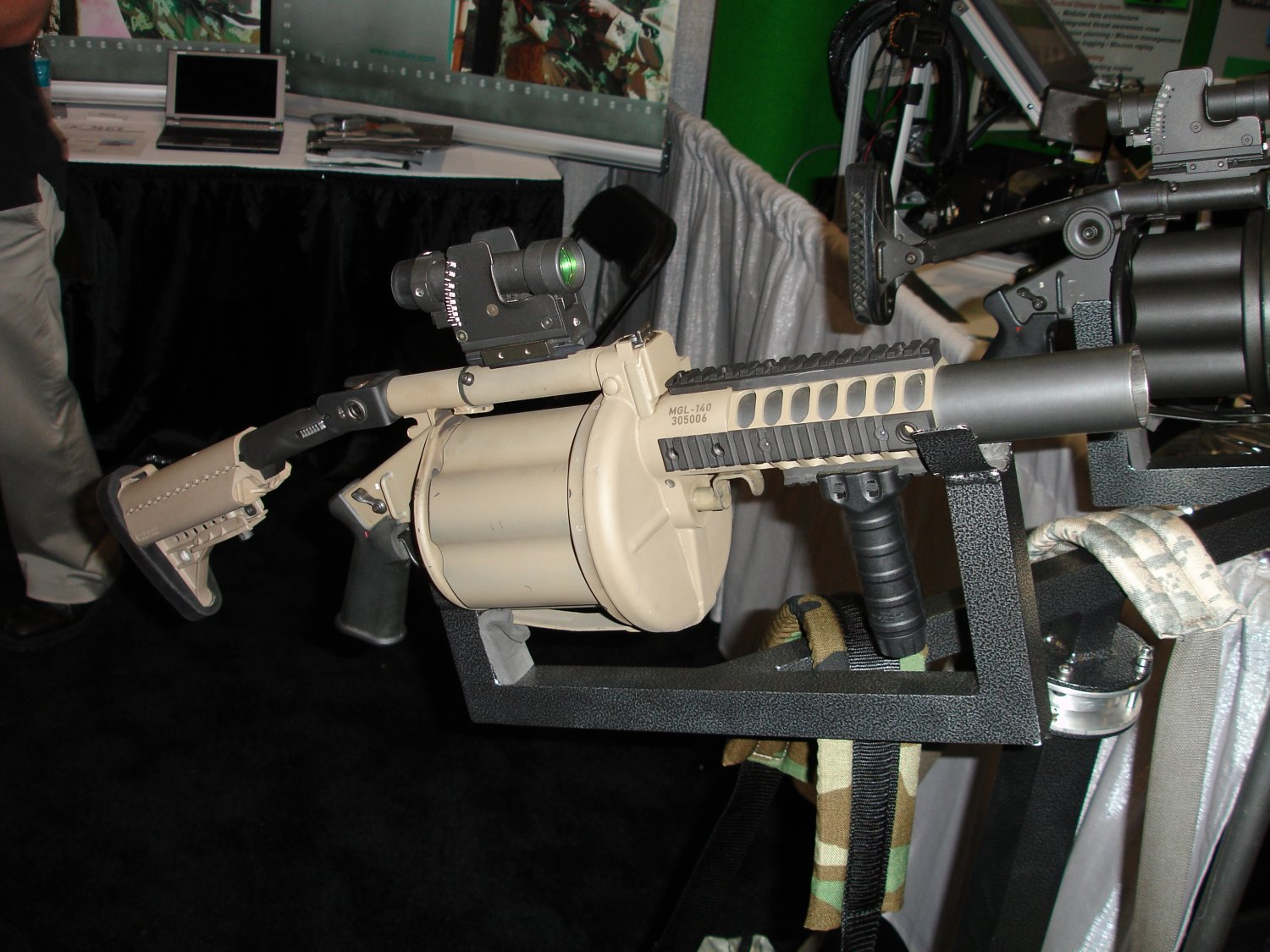 SOF%20Week Milkor%2040mm%20MGL 140 5 <!  :en  >New Milkor MGL 140/MEI Hyper Lethal 40mm Combo/Weapon System for Infantry<!  :  >