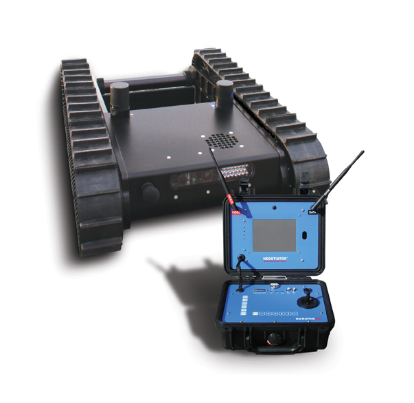 robot+OCU <!  :en  >Negotiator Tactical Surveillance Robot: Sneak n Peek the Bad Guys<!  :  >