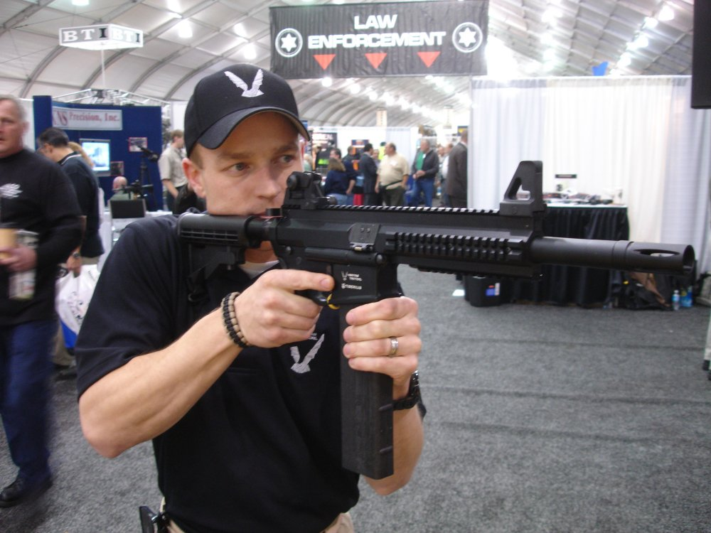 Veritas Tactical 1 SHOTShow2008 2 03 08 <!  :en  >Veritas Tactical MK IV Rifle and VT P8 Pistol: .68 Cal. Less Lethal Weapons<!  :  >
