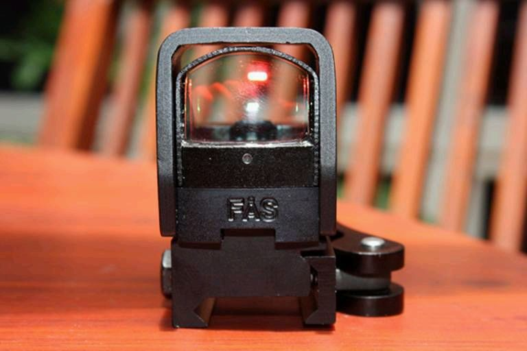 FERFRANS FAS CombatSight 2 <!  :en  >FERFRANS FAS (Fast Acquisition Sight) HUD Style Red Dot Sight/Combat Optic for Urban Warfare Applications<!  :  >