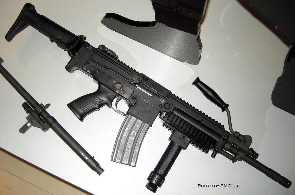 GDATP IAR 15 <!  :en  >GDATP IAR (Infantry Automatic Rifle)/Ultimax 100 MK5 LMG/SAW (Photos!)<!  :  >