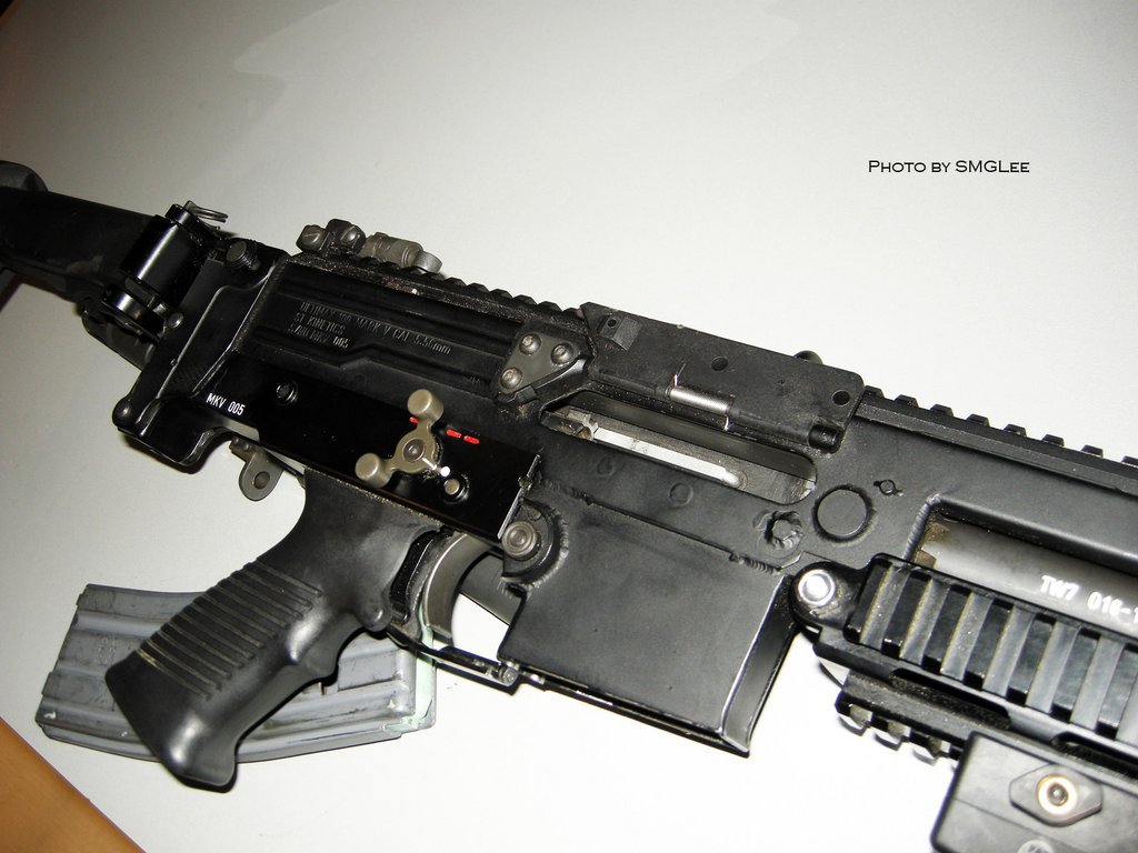 GDATP IAR 31 <!  :en  >GDATP IAR (Infantry Automatic Rifle)/Ultimax 100 MK5 LMG/SAW (Photos!)<!  :  >