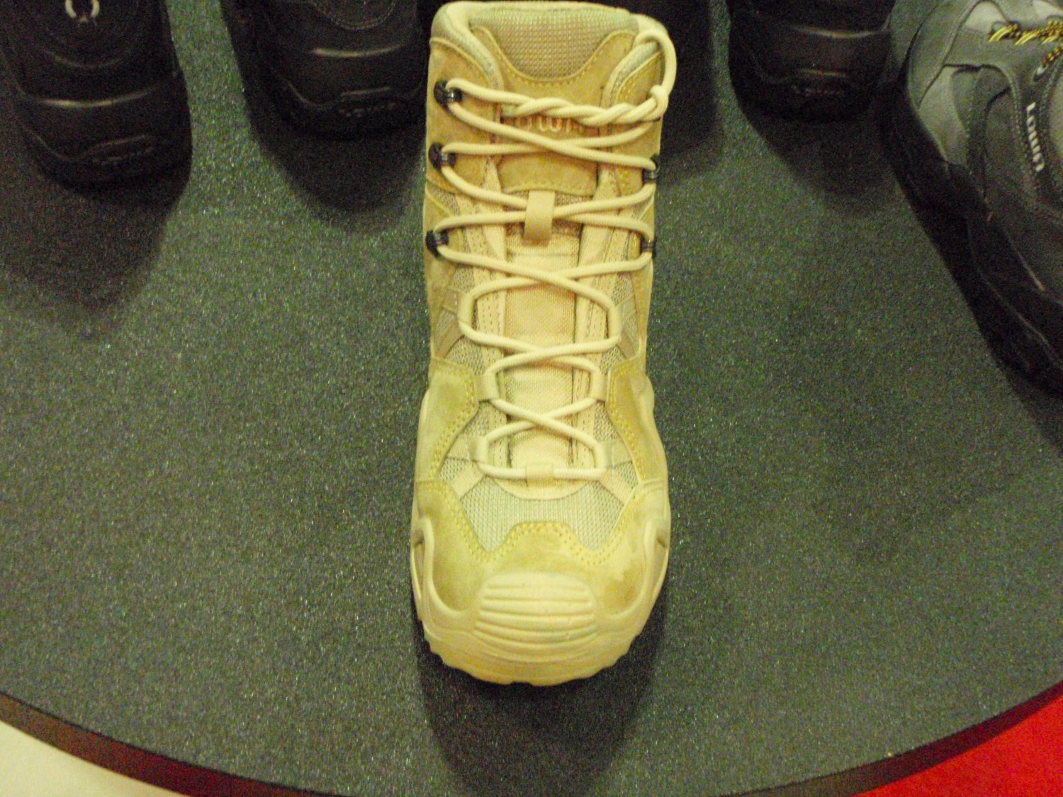 Lowa Tactical Boot 3 <!  :en  >LOWA Tactical Boots Introduces LOWA Desert Mid Tactical Boot at SHOT Show 2009<!  :  >