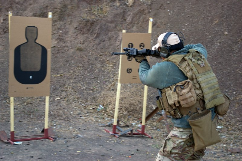Tactical Response Rifle Chen Lee 1 <!  :en  >Tactical Response 'Fighting Rifle' Tactical Shooting Course Review<!  :  >