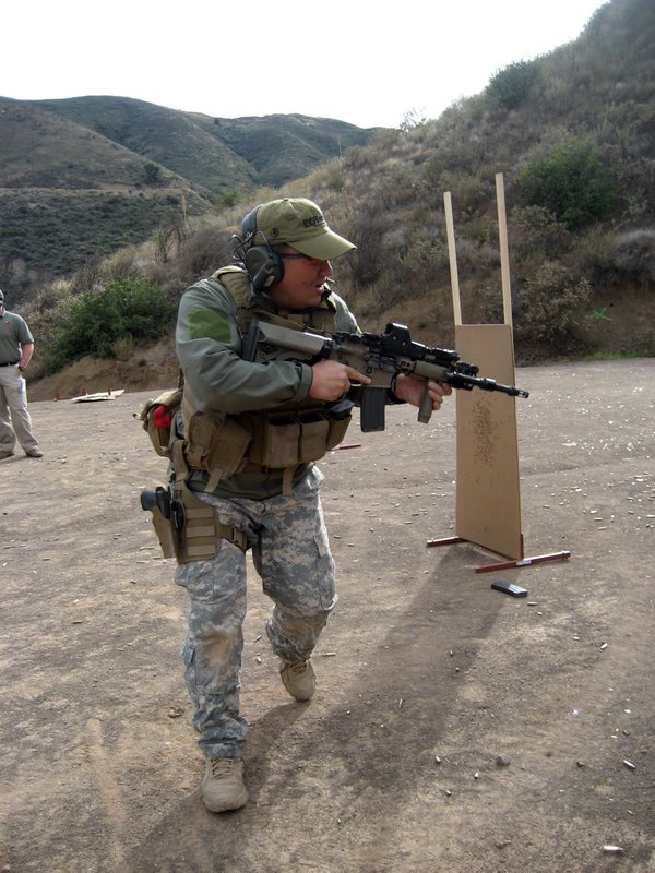 Tactical Response Rifle Chen Lee 6 <!  :en  >Tactical Response 'Fighting Rifle' Tactical Shooting Course Review<!  :  >
