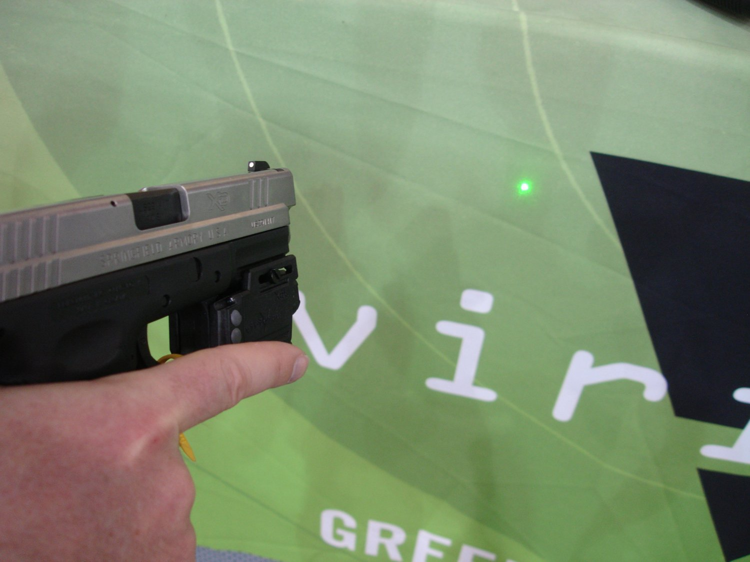 ViridianGreenLaserSights ShotShow2008 6 <!  :en  >Viridian Green Laser Sights for Tactical Weapons: Green Beats Red<!  :  >