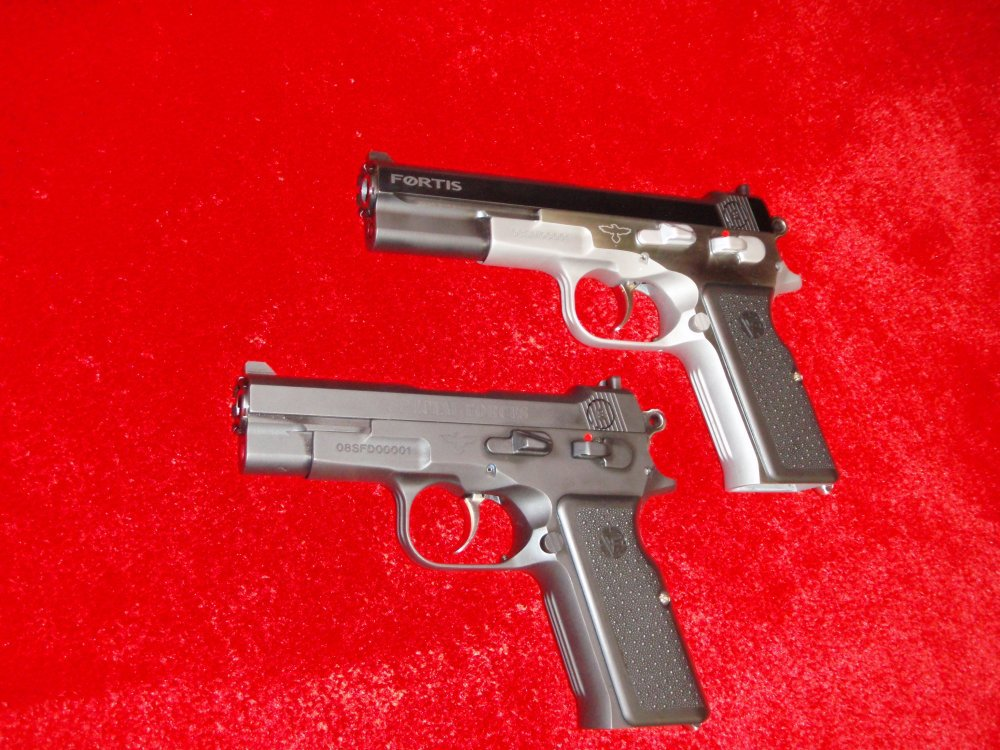 Vltor Fortis Pistols SHOT Show 2009 2 <!  :en  >Vltor Fortis Semi Auto Pistol: Improved Bren Ten in 10mm and .45ACP<!  :  >