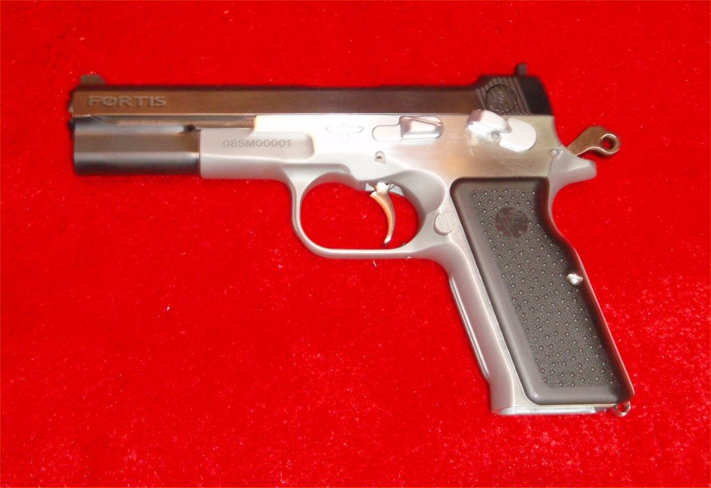 Vltor Fortis Pistols SHOT Show 2009 8 <!  :en  >Vltor Fortis Semi Auto Pistol: Improved Bren Ten in 10mm and .45ACP<!  :  >
