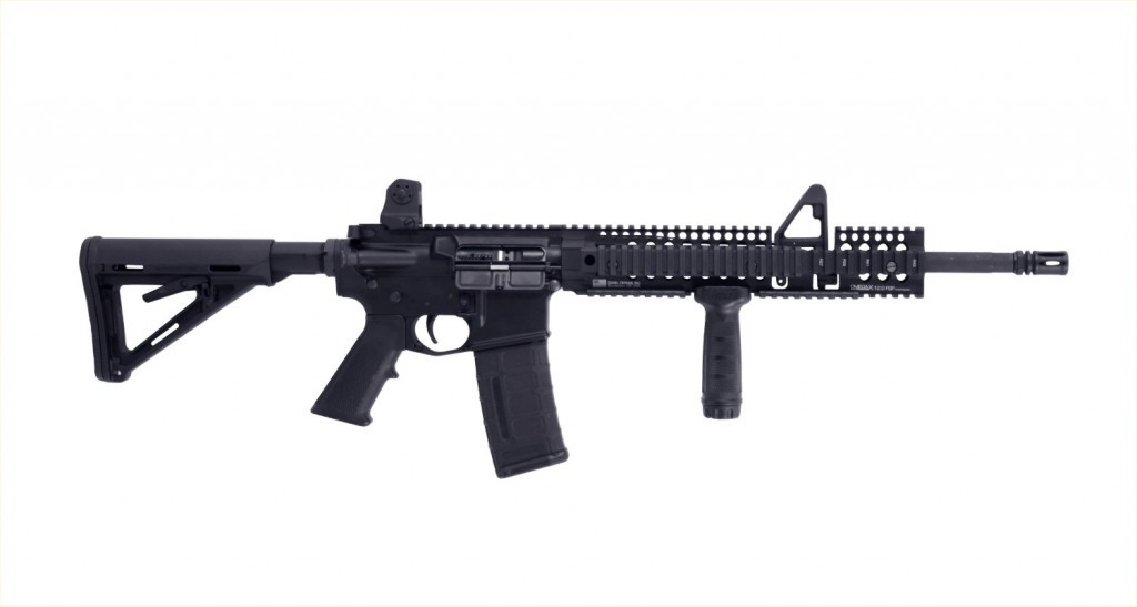 daniel defense ddm4 on white 1024x547 <!  :en  >Daniel Defense DDM4 Tactical AR 15 Carbine with DD Omega X 12.0 FSP Extended Rail System<!  :  >