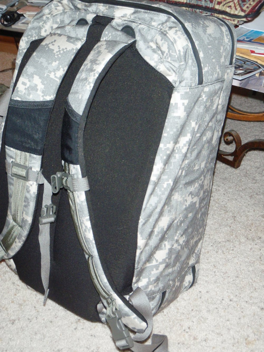 granite gear rat patrol travel commute bag backpack acu camo pattern 15 <!  :en  >Rat Patrol Travel Bag by Granite Gear Tactical: Briefcase, Backpack, Laptop Case, and Daypack, All Rolled into One. <!  :  >