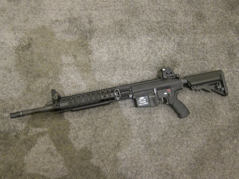 SHOT Show 2010 LMT MRP Gas Piston 7.62mm AR Carbine 5 <!  :en  >LMT .308 Modular Weapon System (MWS) Monolithic Rail Platform (MRP) Semi Auto 7.62mm NATO Tactical AR Battle Rifle/Carbine<!  :  >
