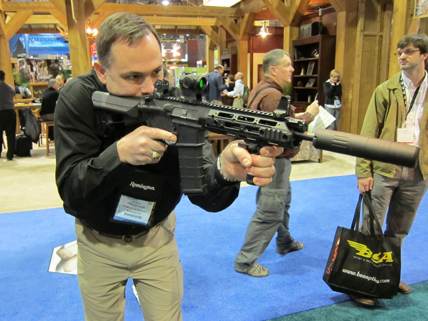 SHOT Show 2010 Remington Military R4 Gas Piston Op Rod AR 5.56mm 1 Remington Military R 4 Gas Piston Carbine (GPC) Tactical AR Carbine with Proprietary Monolithic Rail System (Pics!)