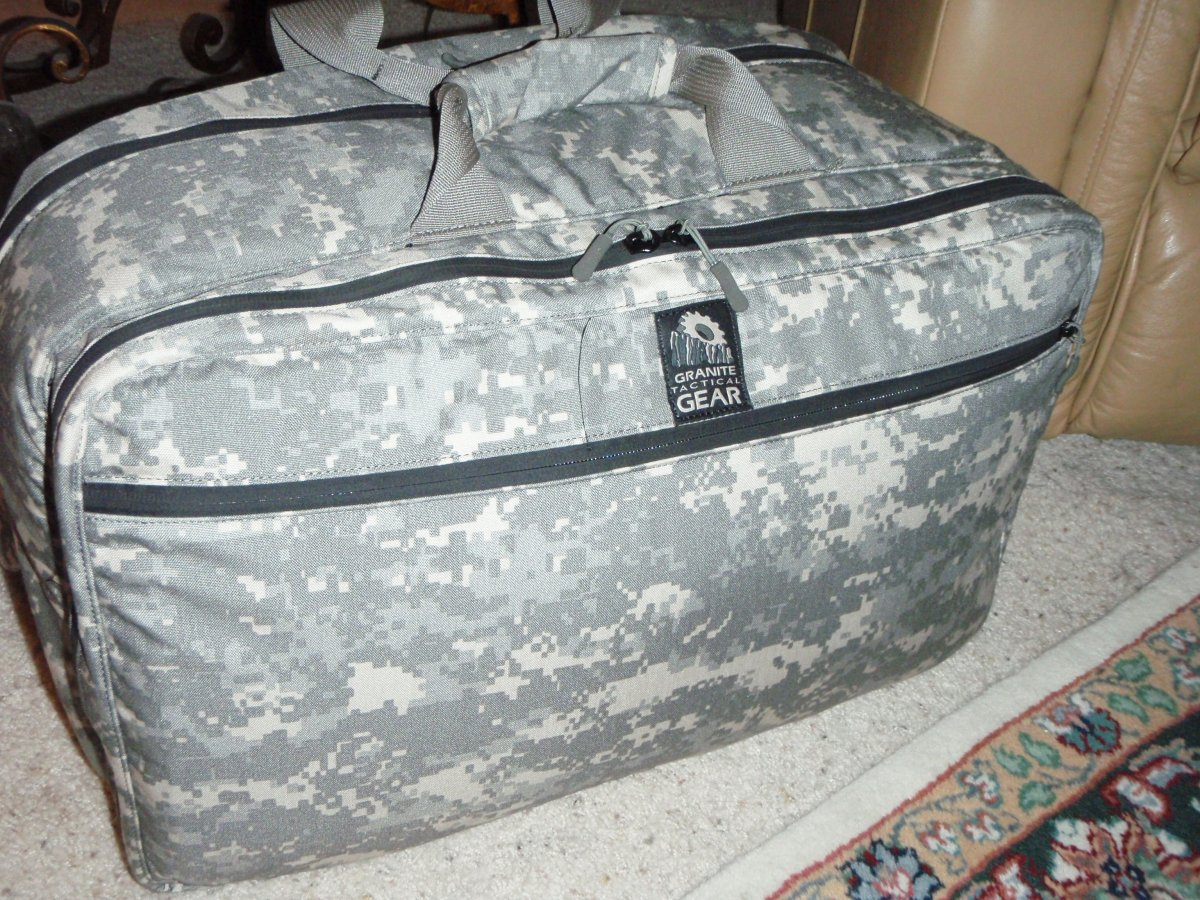 <!--:en-->Rat Patrol Travel Bag by Granite Gear Tactical: Briefcase, Backpack, Laptop Case, and Daypack, All Rolled into One. <!--:-->