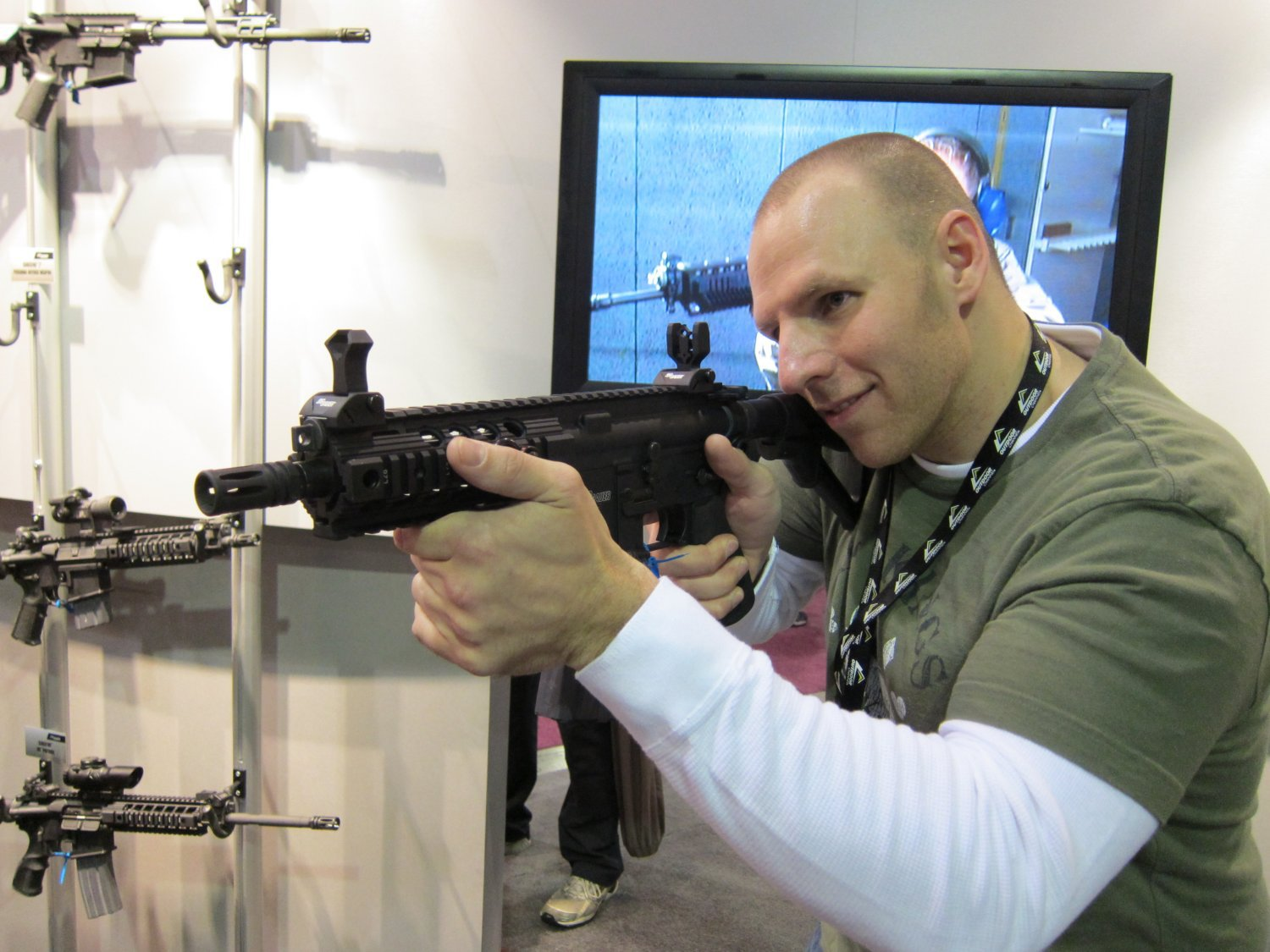 SHOT Show 2010 SIG SAUER SIG516 Gas Piston Op Rod Carbine SBR Series 4 <!  :en  >SIG Sauer SIG516 (5.56mm) and SIG716 (7.62mm) Short Stroke Gas Piston/Op Rod System Tactical AR Rifle/Carbine/SBR Series at SHOT Show 2010 (Photos!) <!  :  >