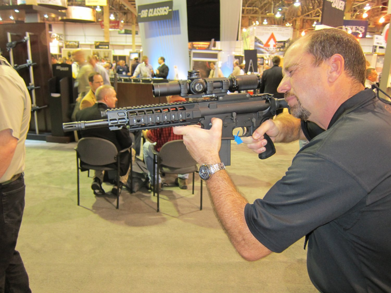 SHOT Show 2010 SIG SAUER SIG716 Gas Piston Op Rod Carbine SBR Series 3 <!  :en  >SIG Sauer SIG516 (5.56mm) and SIG716 (7.62mm) Short Stroke Gas Piston/Op Rod System Tactical AR Rifle/Carbine/SBR Series at SHOT Show 2010 (Photos!) <!  :  >