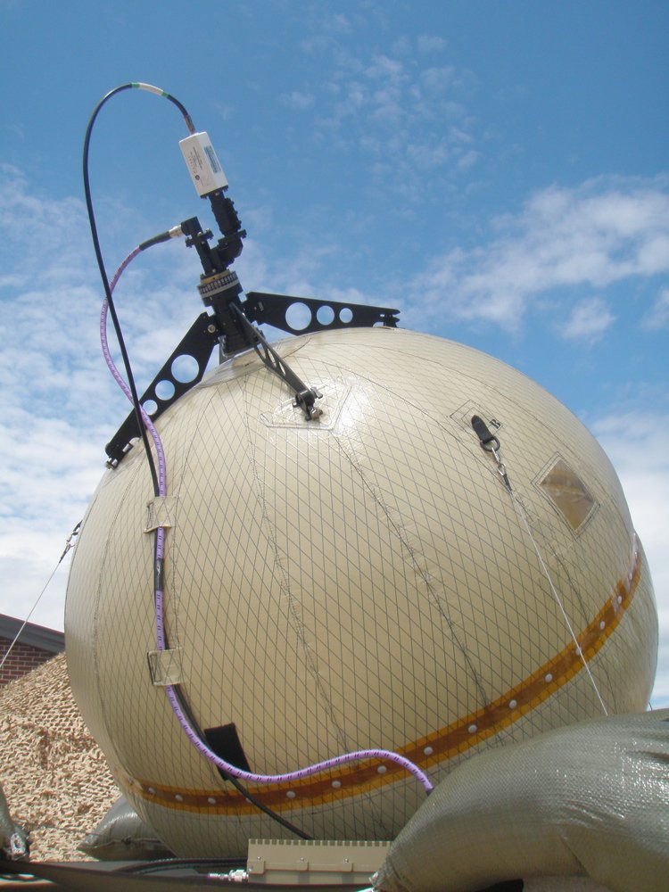 GATR 1m Beach Ball SATCOM 1 <!  :en  >GATR Technologies Ultra Transportable Beach Ball Style C band Inflatable Satellite Communications (SATCOM) Antenna Systems: Tactical Communications for Military Special Operations (SPECOPS) in Adverse Conditions<!  :  >