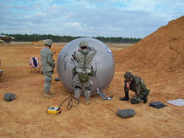 GATR 2.4m Beach Ball SATCOM 1 <!  :en  >GATR Technologies Ultra Transportable Beach Ball Style C band Inflatable Satellite Communications (SATCOM) Antenna Systems: Tactical Communications for Military Special Operations (SPECOPS) in Adverse Conditions<!  :  >