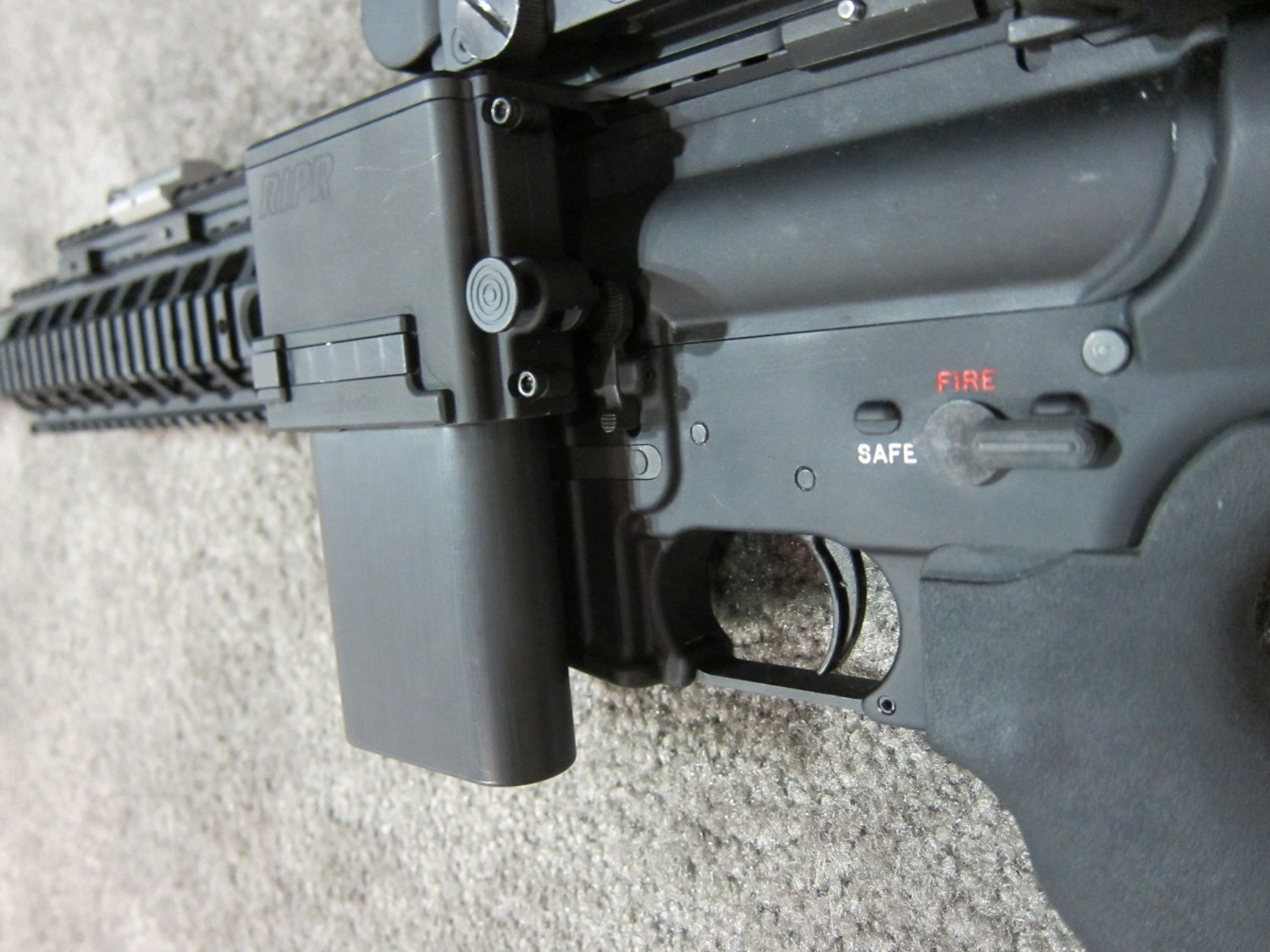 Reset RIPR Rifle Integrated Power Rail 6 <!  :en  >Reset RIPR (Rifle Integrated Power Rail): Central Power Source for Tactical AR Rifle/Carbine/SBR Accessories<!  :  >