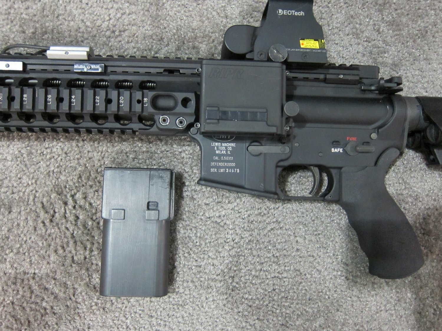 Reset RIPR Rifle Integrated Power Rail 7 <!  :en  >Reset RIPR (Rifle Integrated Power Rail): Central Power Source for Tactical AR Rifle/Carbine/SBR Accessories<!  :  >