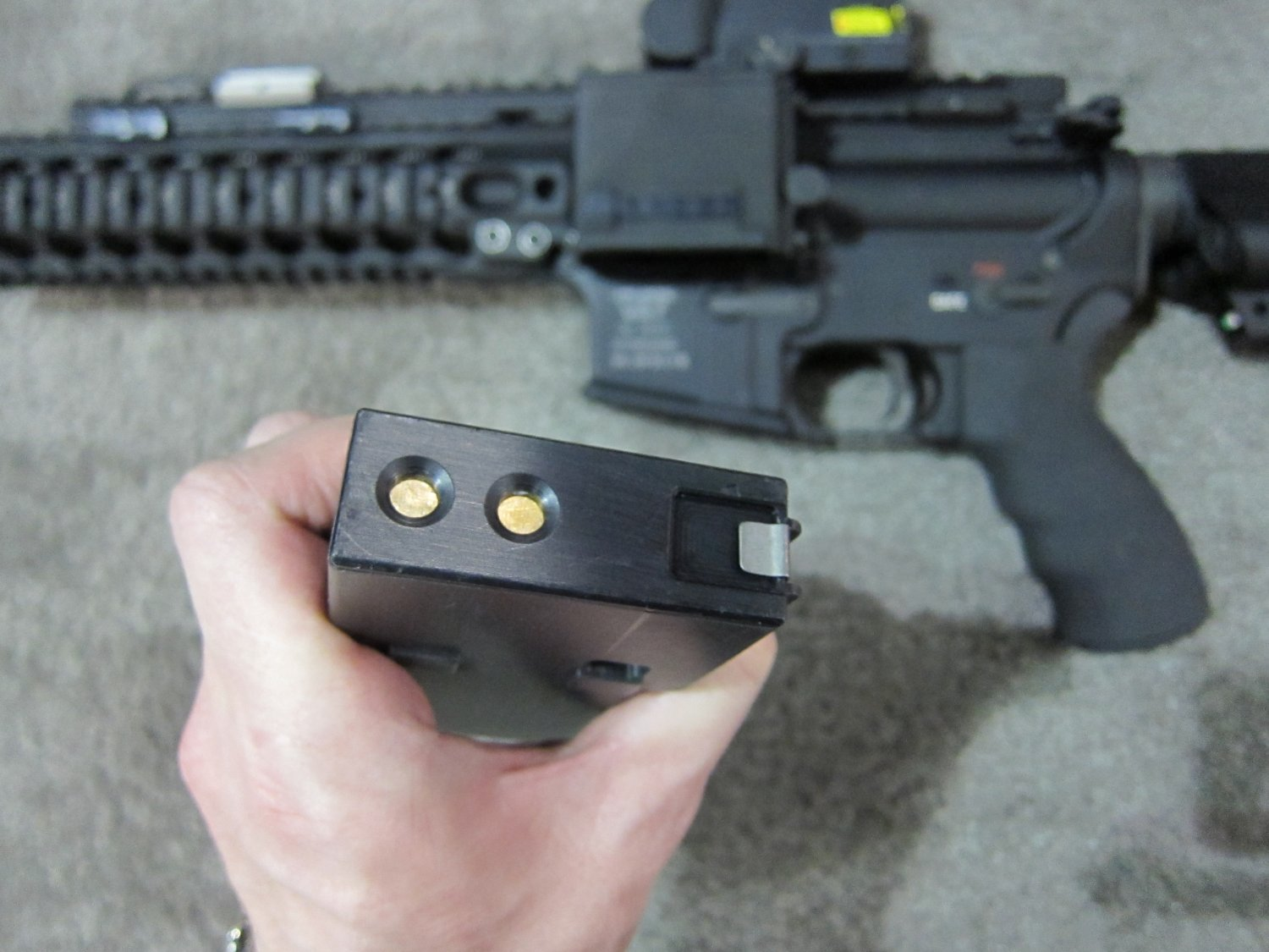 Reset RIPR Rifle Integrated Power Rail 8 <!  :en  >Reset RIPR (Rifle Integrated Power Rail): Central Power Source for Tactical AR Rifle/Carbine/SBR Accessories<!  :  >
