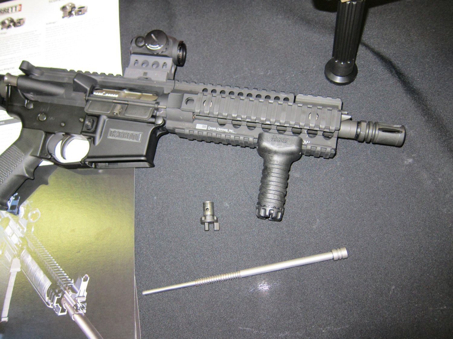 Barrett REC7 5.56mm AR SBR 12 Barrett REC7 5.56 8 Piston AR PDW Displayed at SOFIC 2010 (Photos!): 5.56mm NATO Piston Driven Tactical AR Carbine/SBR for Military Special Operations Forces (SOF)
