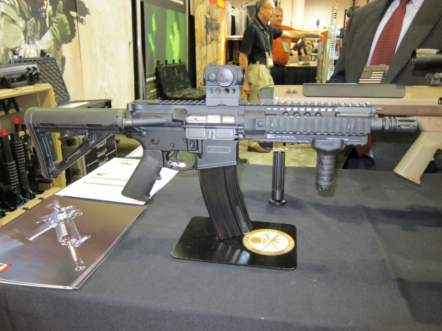 Barrett REC7 5.56mm AR SBR 20 Barrett REC7 5.56 8 Piston AR PDW Displayed at SOFIC 2010 (Photos!): 5.56mm NATO Piston Driven Tactical AR Carbine/SBR for Military Special Operations Forces (SOF)