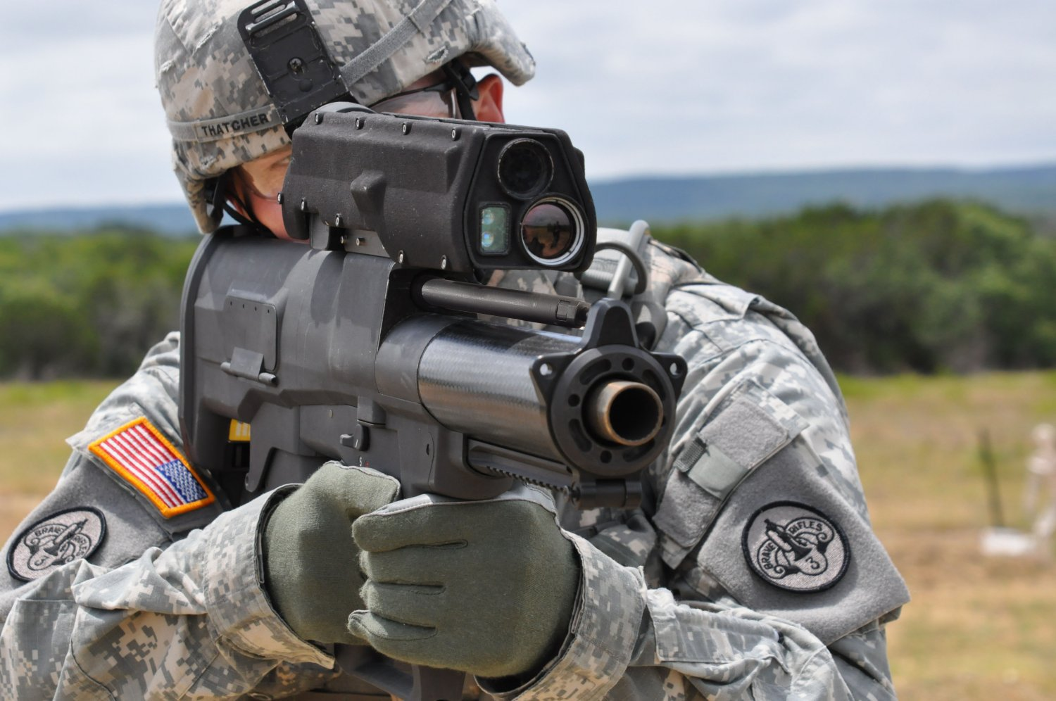 ATK XM25 25mm Auto Grenade Launcher PEO Soldier 1 small <!  :en  >ATK XM25 Game Changer Semi Auto 25mm Airburst Grenade Launcher/Individual Airburst Weapon System (IAWS) Goes to Combat: DR Provides the Cool Skinny on this Potentially Revolutionary Infantry Weapon System.<!  :  >