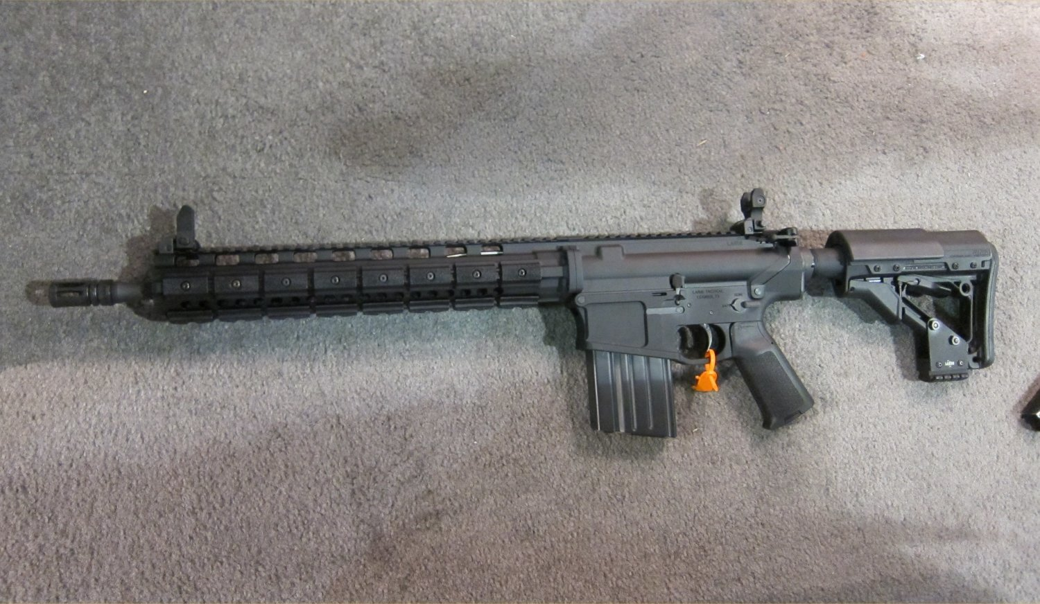 LaRue Tactical OBR 7.62 PREDATAR Series Tactical AR Carbine at SHOT Show 2011 3 <!  :en  >LaRue Tactical PredatAR Series Lightweight OBR 5.56 and OBR 7.62 Tactical AR Carbines Debut at SHOT Show 2011 (Video!)<!  :  >