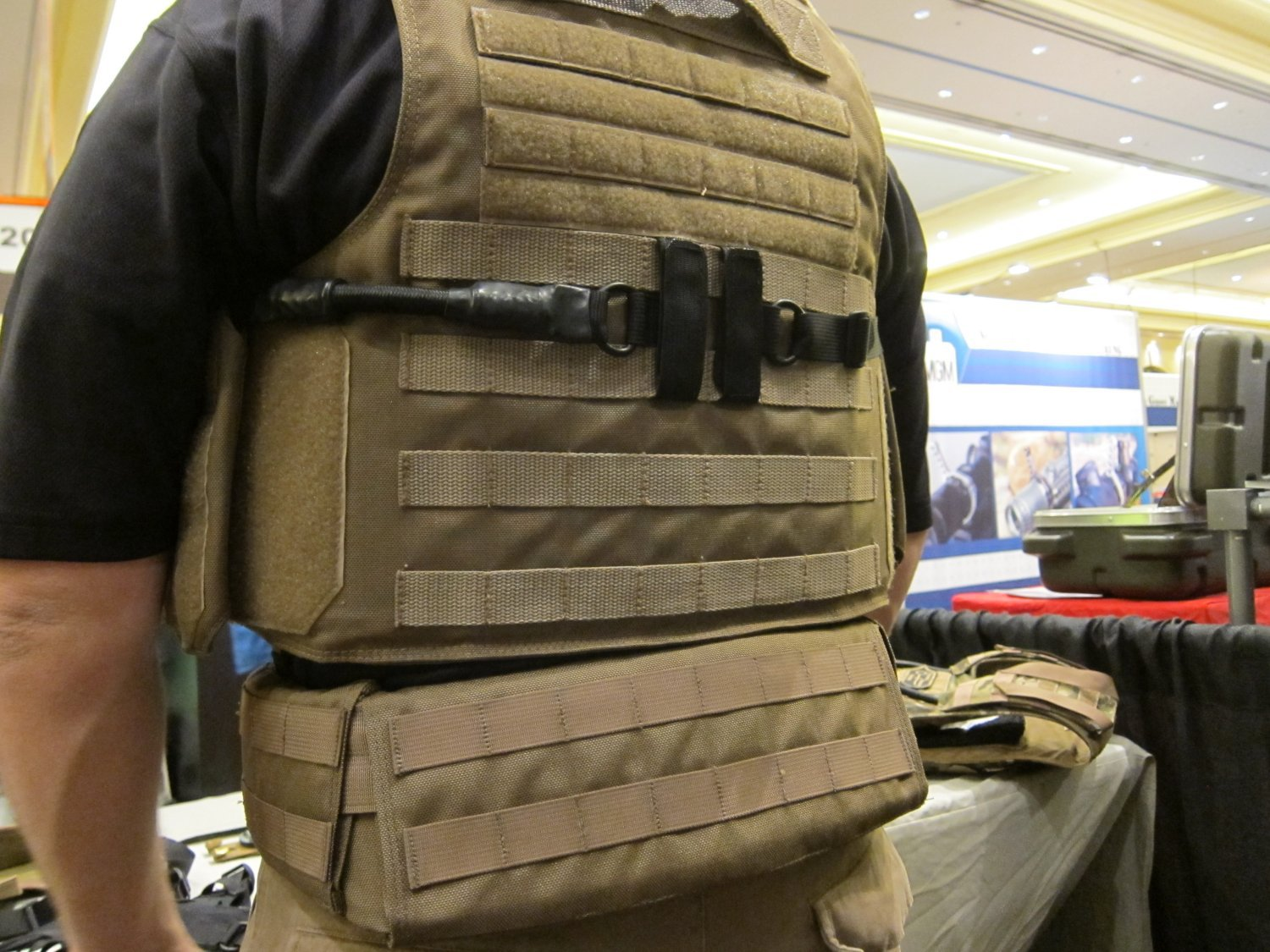 P2 Systems P2Sys Underarm Double Under Integra Sling and Integra Belt with Integral Armor Waist Supports Plastic Stays at SHOT Show 2011 1 <!  :en  >Hardpoint Equipment Tactical Armor Carriers (formerly Personal Protective Systems, or P2 Systems): Best Tactical Body Armor Plate Carriers on the Planet? DR Looks at the Latest Hard Point Hard Armor Plate Carriers, Battle Belt, MOLLE Backpack System, and Passive Ventilation Channels/Removable Padding System at SHOT Show 2011 (Photos and Video!) <!  :  >