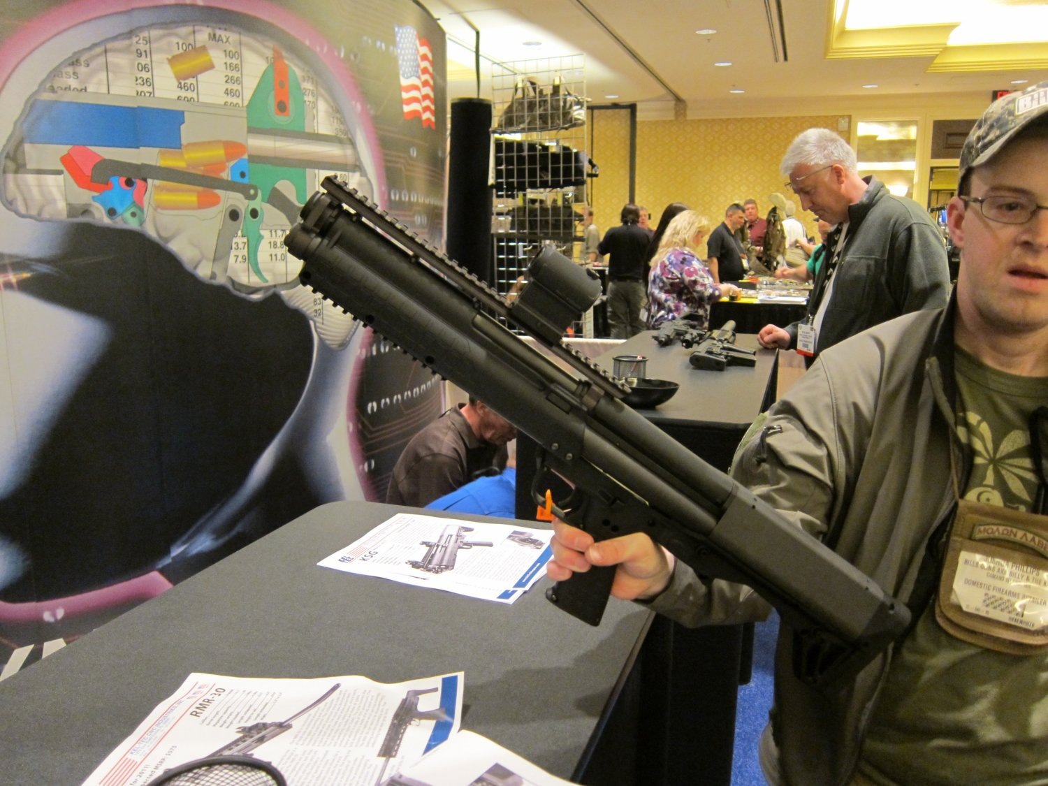 Kel Tec KSG Shotgun SHOT Show 2011 1 <!  :en  >Kel Tec KSG Shotgun: 15 Round (14+1) Bullpup Pump Action 12 Gauge Combat Shotgun for Urban Tactical Operations and Applications (Photos and Video!)<!  :  >