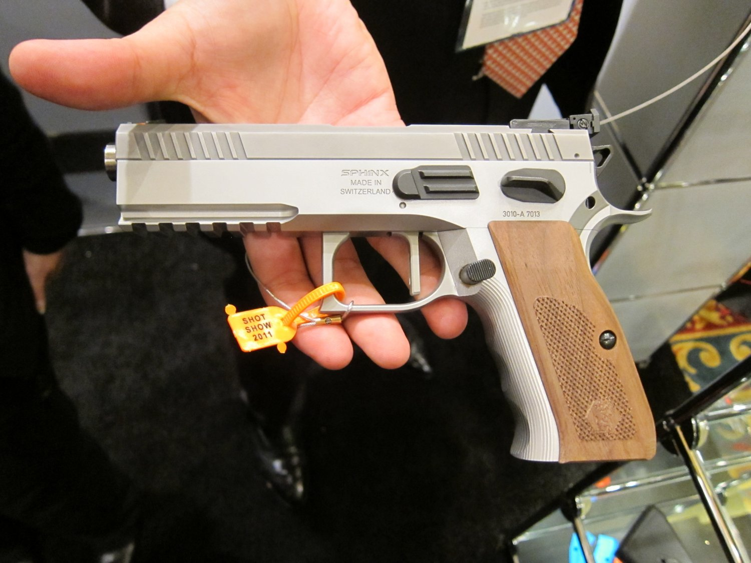 KRISS Sphinx Tactical Pistols 11 <!  :en  >KRISS Sphinx Tactical Pistols and DEFIANCE Silencer/Sound Suppressors at SHOT Show 2011: High End Swiss Tactical Pistols for Military Special Operations, Law Enforcement SWAT Ops, and Competitive Shooting<!  :  >