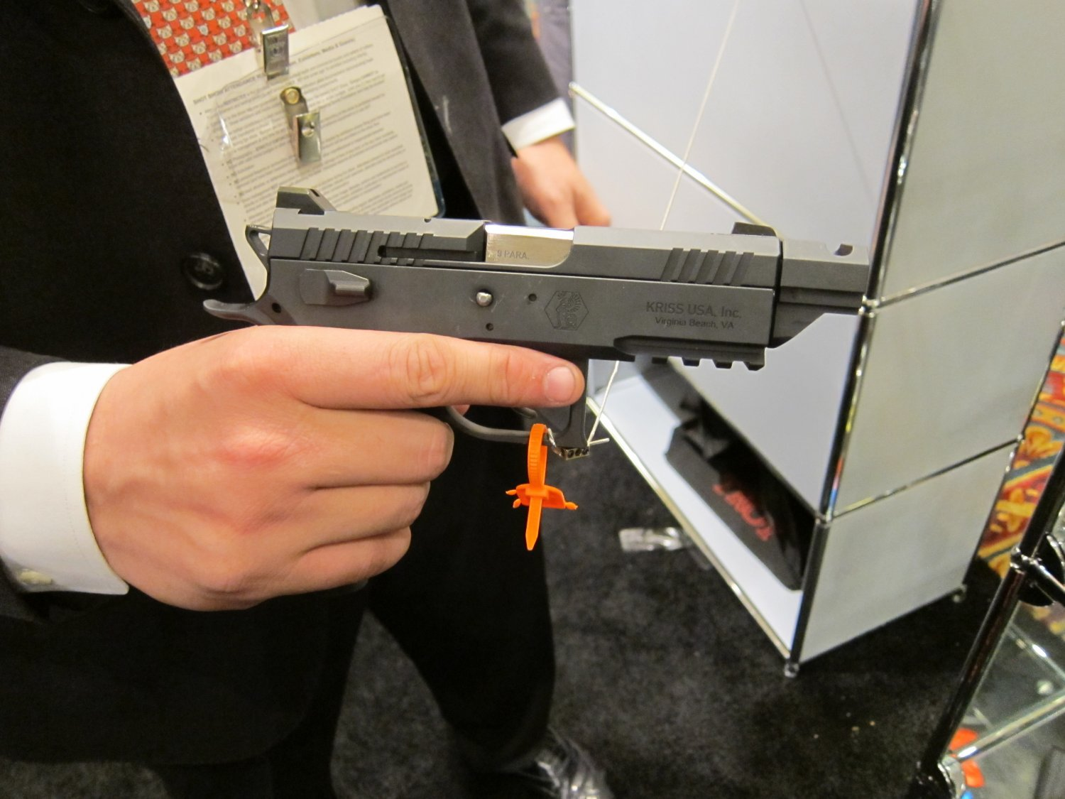 KRISS Sphinx Tactical Pistols 12 <!  :en  >KRISS Sphinx Tactical Pistols and DEFIANCE Silencer/Sound Suppressors at SHOT Show 2011: High End Swiss Tactical Pistols for Military Special Operations, Law Enforcement SWAT Ops, and Competitive Shooting<!  :  >