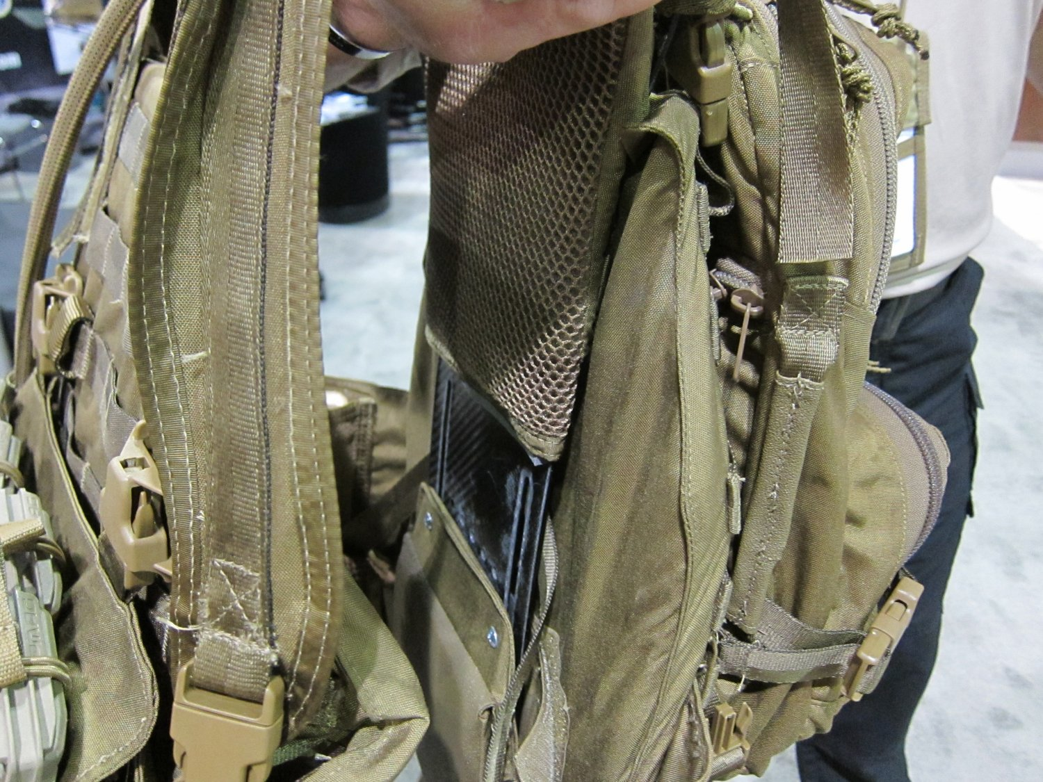 Archangel Armor Internal Frame Load Bearing System IFLBS Version 5 Tactical Armor Plate Carrier System SOFIC 2011 5 <!  :en  >Archangel Armor Internal Frame Load Bearing System (IFLBS) Version 5 Tactical Armor Plate Carrier/Tactical Vest System: Lighten your load when youre in combat mode!<!  :  >