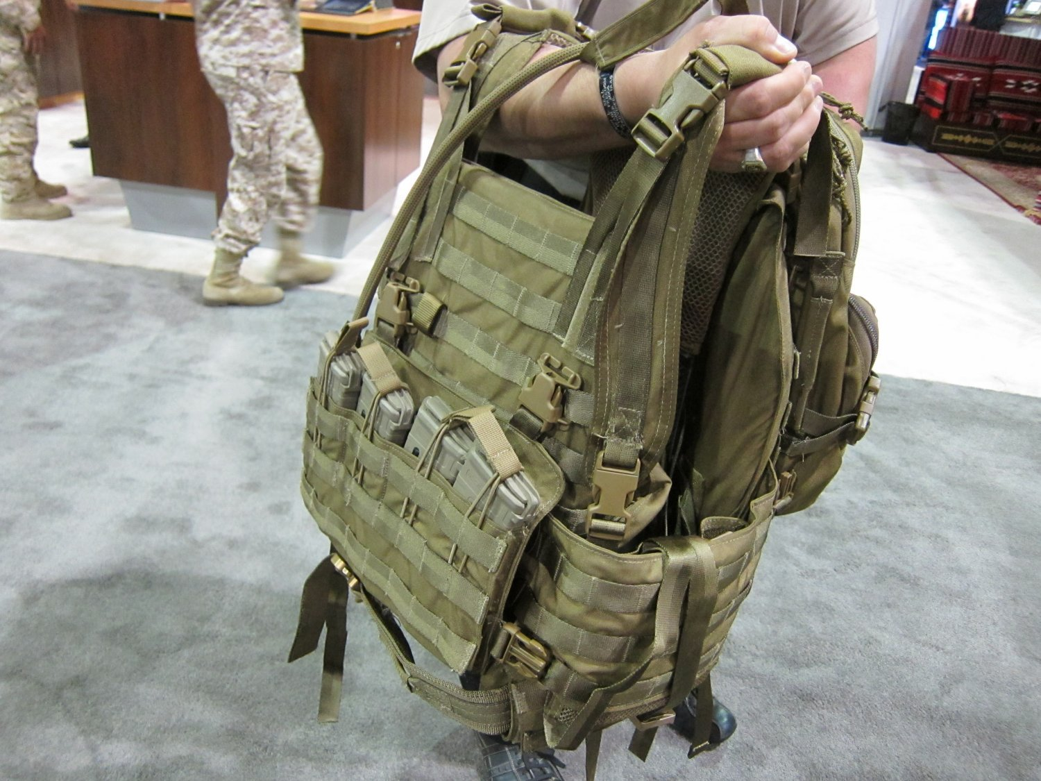 Archangel Armor Internal Frame Load Bearing System IFLBS Version 5 Tactical Armor Plate Carrier System SOFIC 2011 7 <!  :en  >Archangel Armor Internal Frame Load Bearing System (IFLBS) Version 5 Tactical Armor Plate Carrier/Tactical Vest System: Lighten your load when youre in combat mode!<!  :  >