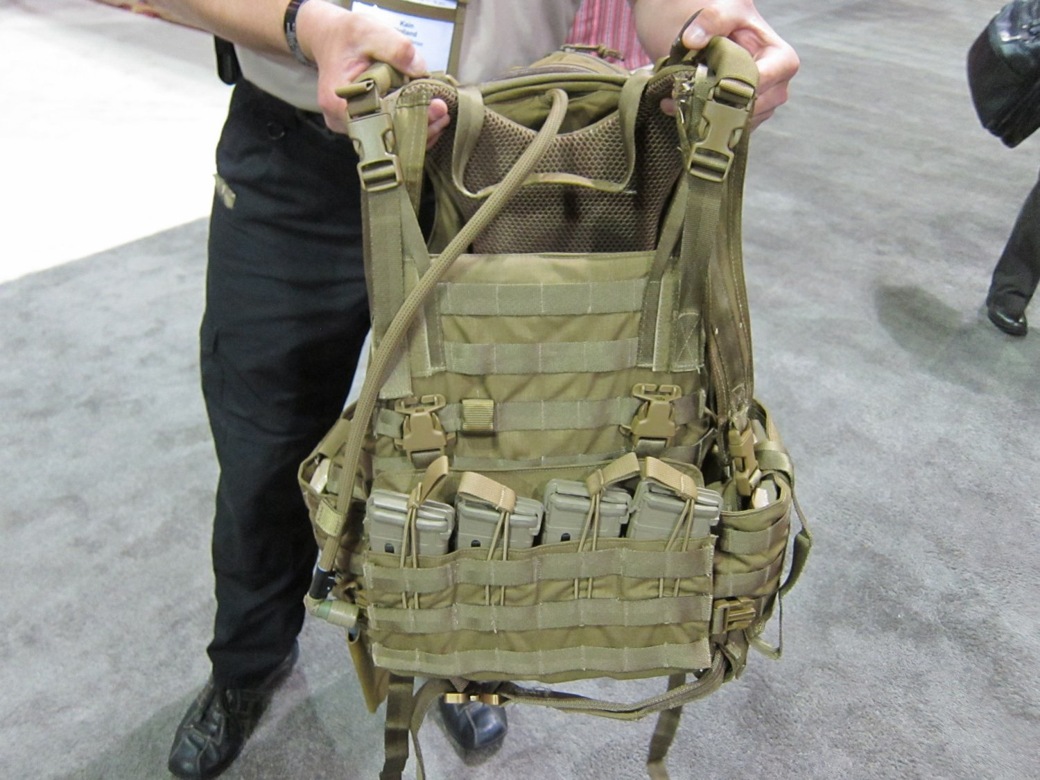 Archangel Armor Internal Frame Load Bearing System IFLBS Version 5 Tactical Armor Plate Carrier System SOFIC 2011 9 <!  :en  >Archangel Armor Internal Frame Load Bearing System (IFLBS) Version 5 Tactical Armor Plate Carrier/Tactical Vest System: Lighten your load when youre in combat mode!<!  :  >
