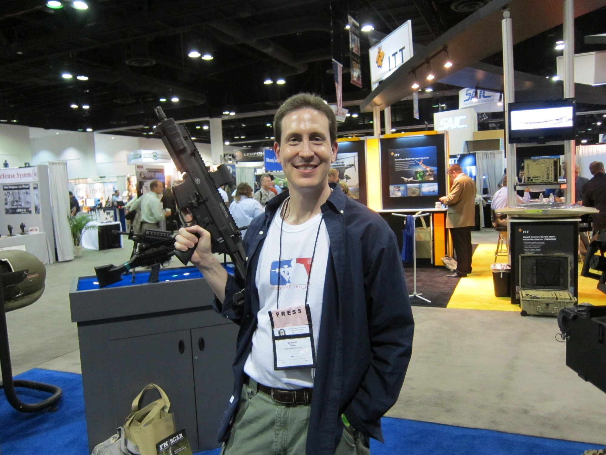 FNH_USA_FN_SCAR_PDW_Compact_Assault_SBR_5.56mm_NATO_David_Crane_SOFIC_2011_DefenseReview_(DR)_3